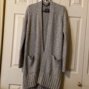 Gray sweater size Medium-Abercrombie &Fitch